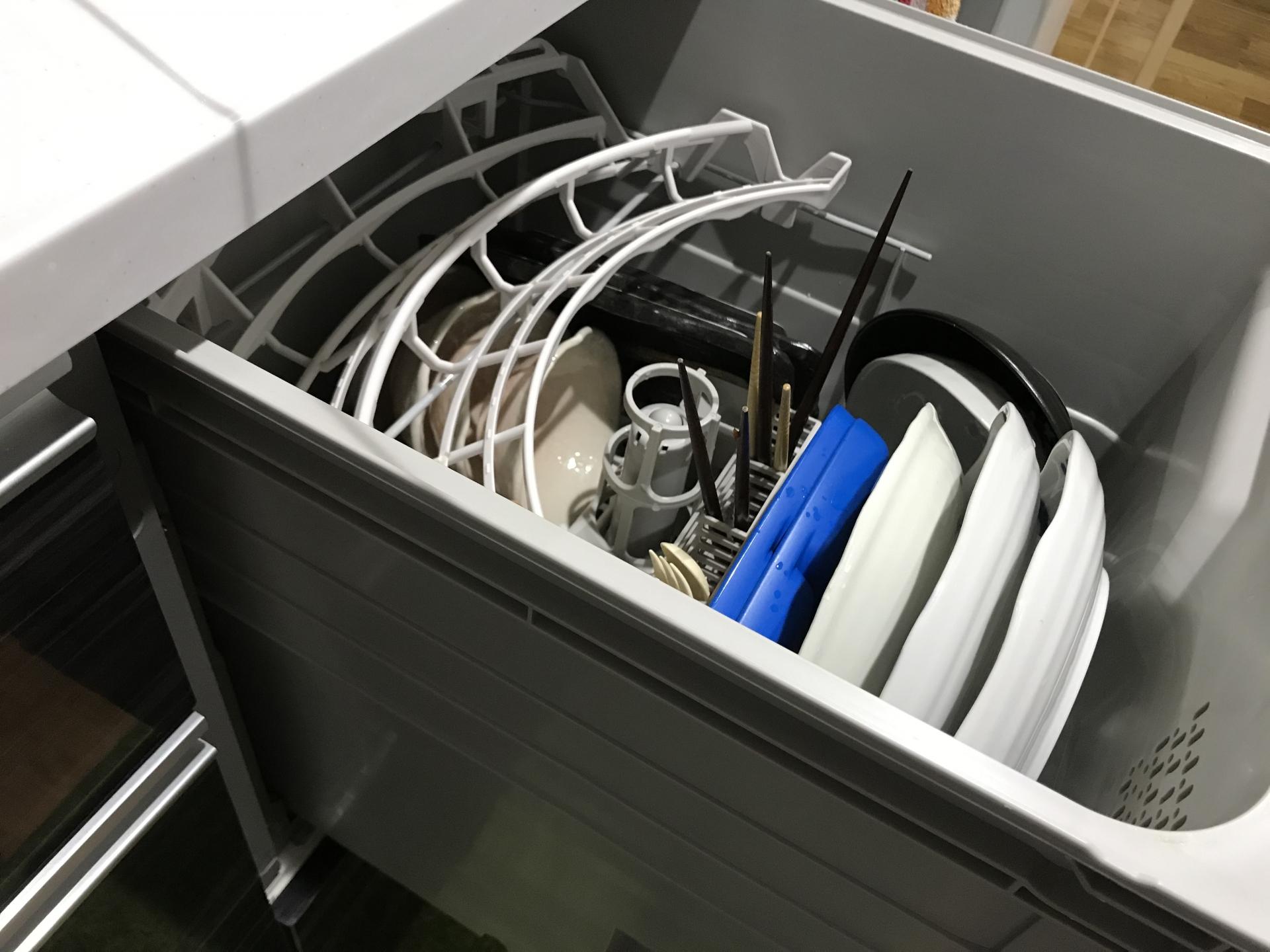【食洗機の水漏れ】慌てずに!原因と対処法を知れば安心。自分で直す方法も解説。 | 水道修理ルート